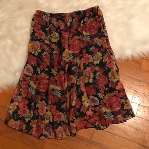 🍂Ingredients floral skirt, size small